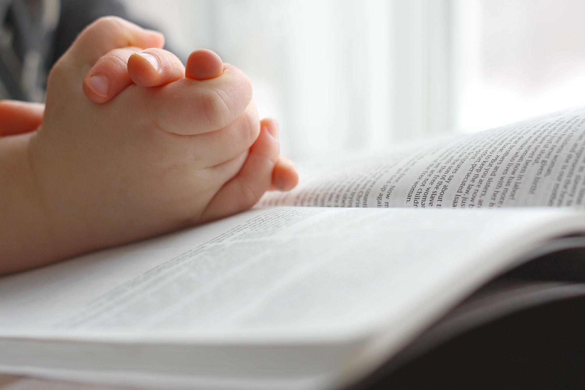 Kết quả hình ảnh cho children and bible